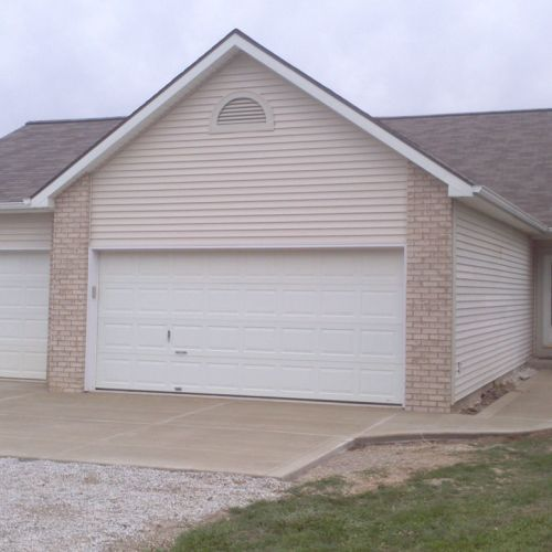 Garages and pole barns amish contractor for Pole barn home kits indiana